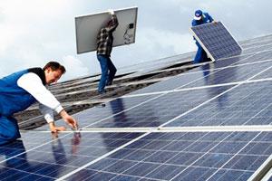 Montage von Photovoltaikelementen